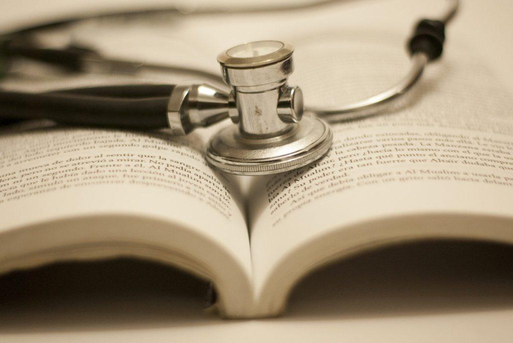 治癒証明書に診察は必要です