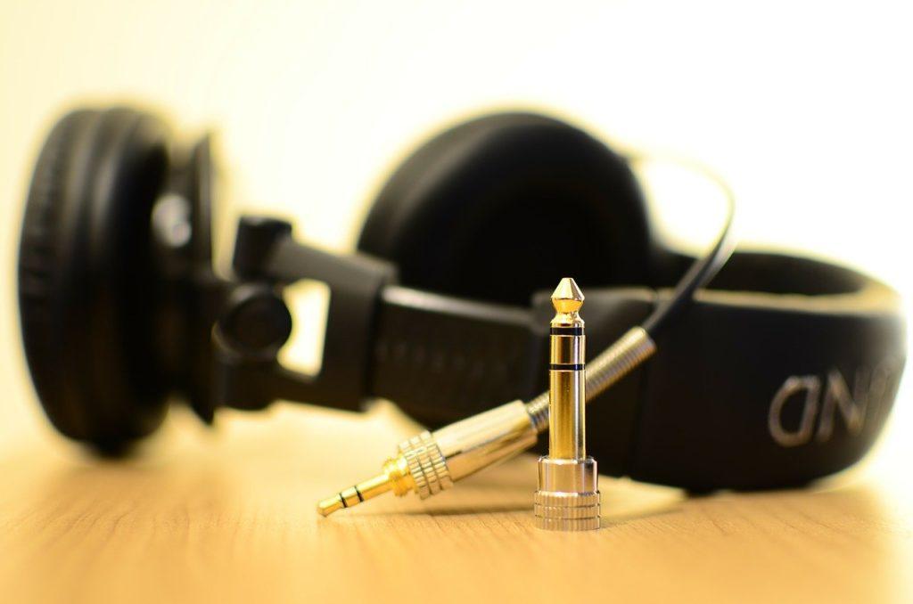 標準純音聴力検査とチンパノメトリー