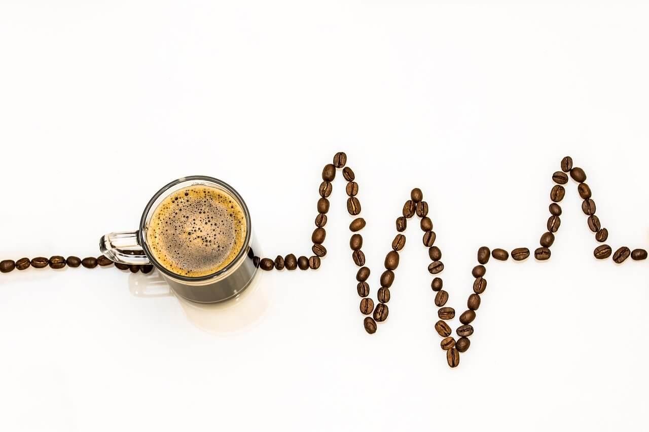 【コーヒーと紅茶】カフェイン│1日の摂取量の目安・過剰摂取の症状