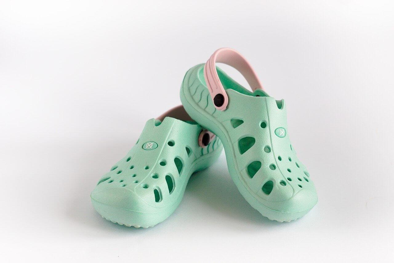 【入院中の履き物】スリッパ・クロックスNG│失敗しない靴の選び方